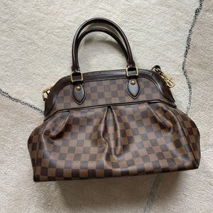 Louis Vuitton Hand bag with shoulder strap